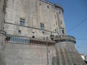 Замок Маскио Анджолино в Неаполе