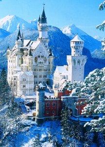 Замок Нойшванштайн зимой, Бавария, Германия