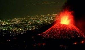 Извержение вулкана Этна, Италия