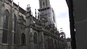 Бернский Кафедральный собор (вид сбоку)