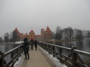 Вид на Тракайский замок с моста