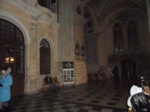 Интерьер того же храма в другом ракурсе
