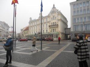 """Флаги Евросоюза и гостиница """"Астория"""""""