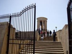 Мемориал жертв Второй Мировой войны в Валлетте