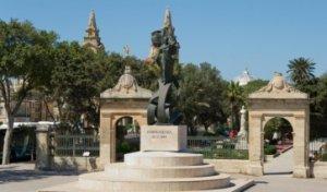 Памятник независимости Мальты в иль-Фурьяне