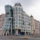Танцующий дом, Прага