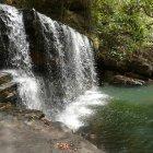 Водопад в тропическом лесу, Бенин