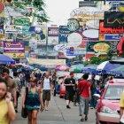 Улица Каосан роад в Бангкоке