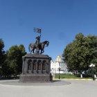 Памятник князю Владимиру и святителю Фёдору
