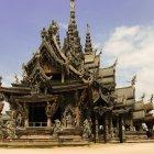 Храм Истины, Паттайя