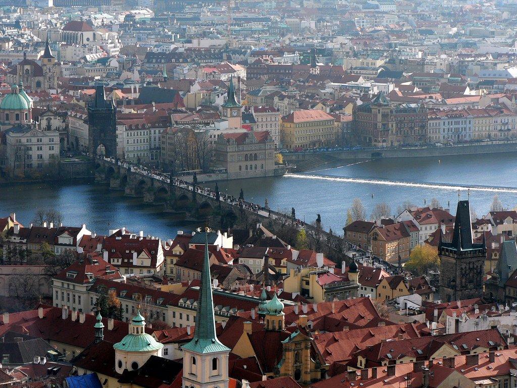 Согласно сообщению пресс-службы, решение...  Посольство Чехии в Украине с 22 мая начнет выдавать гражданам...