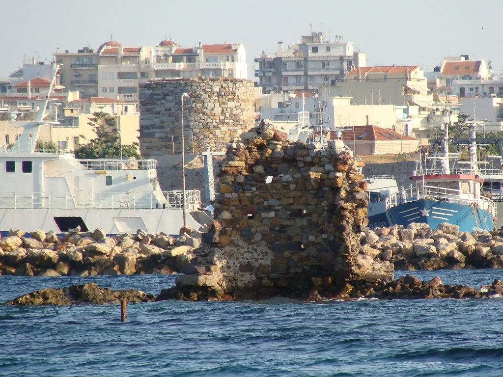 Apartment island of Chios on the beach to buy